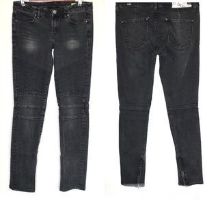 Blank NYC moto style skinny jeans w/ankle zippers